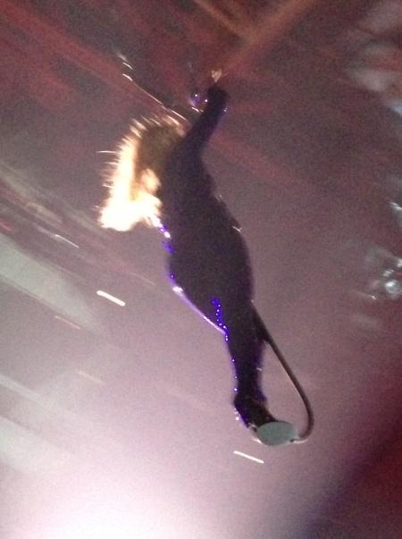 Beyonce flying